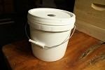Feeders - Pail Feeder - 1 gal.